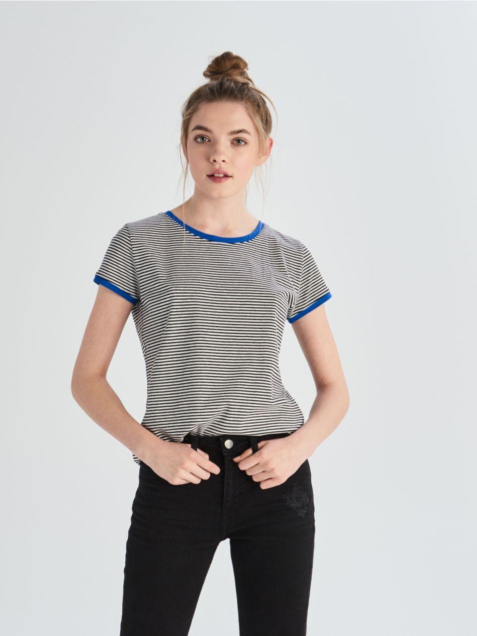 Bavlněné tričko skontrastním lemováním - modrá - UX674-55X - Sinsay - 2