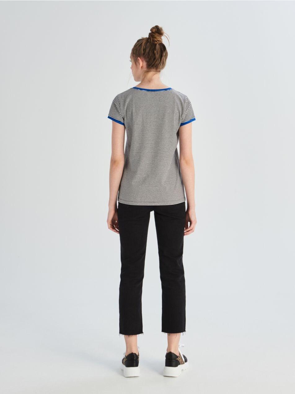 Bavlněné tričko skontrastním lemováním - modrá - UX674-55X - Sinsay - 3