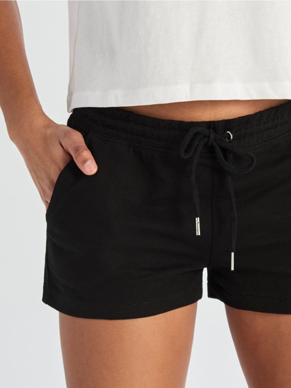 Teplákové šortky - černý - VK006-99X - Sinsay - 2
