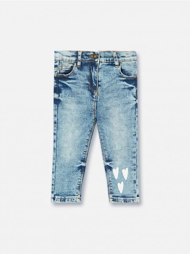 Jeansowe spodnie z serduszkami