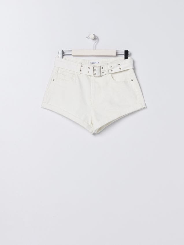 Szorty high waist z paskiem