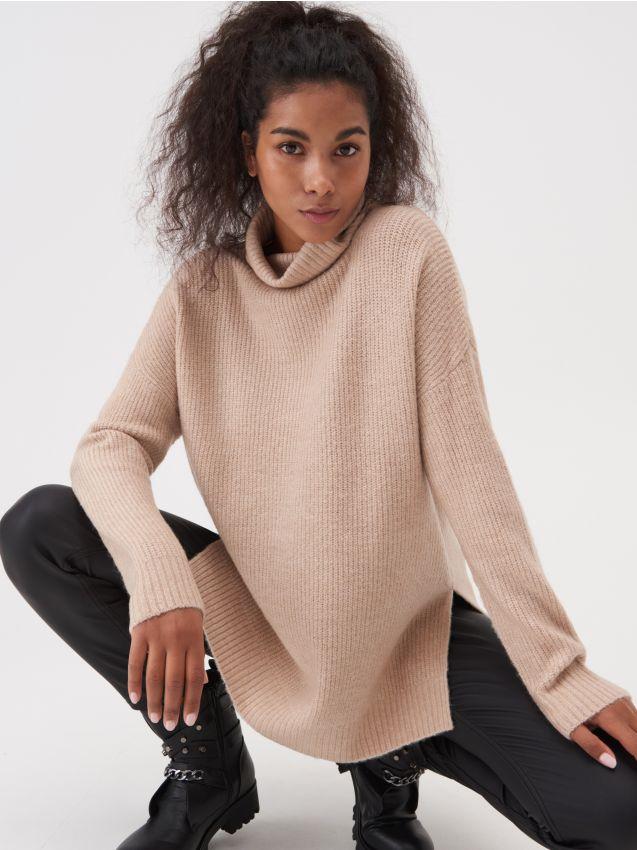 Sweter oversize z dłuższym tyłem