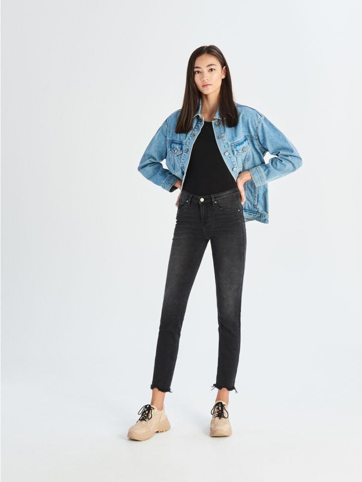 Jeansy skinny ze średnim stanem